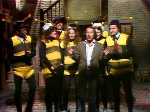 SNL - The bees are coming!